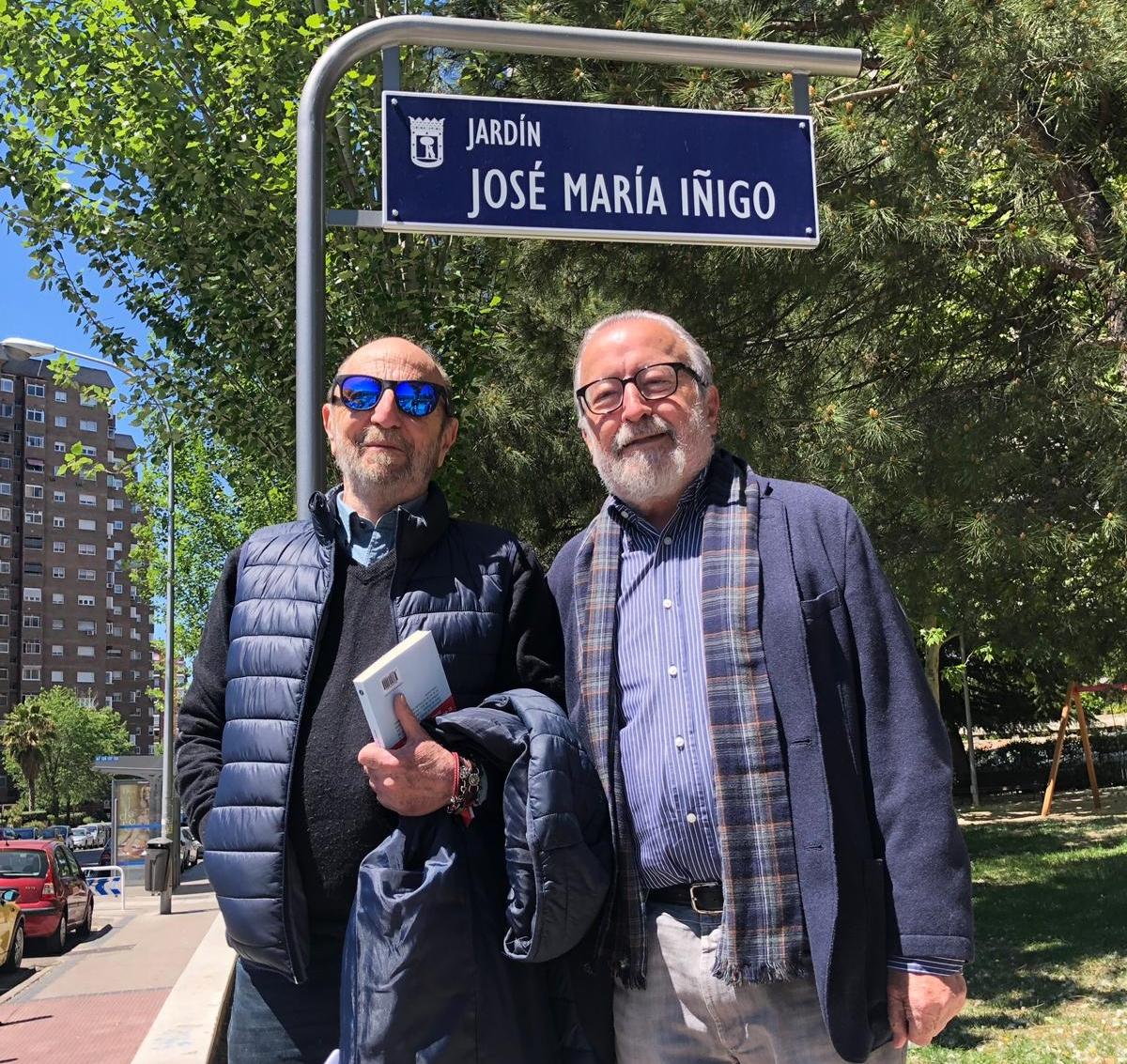 Andrés Aberasturi y José Ramón Pardo en los jardín de Íñigo
